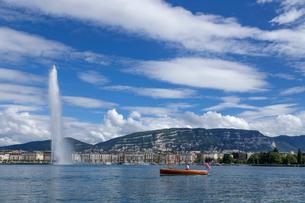 スイス、ジュネーブ、レマン湖と大噴水の写真素材 [FYI04097359]