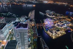 横浜の夜景 みなとみらいの写真素材 [FYI04097362]