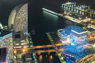 横浜の夜景 みなとみらいの写真素材 [FYI04097365]