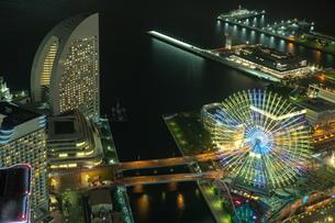 横浜の夜景 みなとみらいの写真素材 [FYI04097368]
