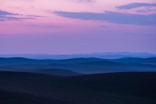 モンゴルの夕暮れの写真素材 [FYI04097379]