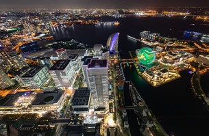 横浜の夜景 みなとみらいの写真素材 [FYI04097391]