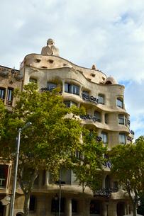 スペイン バルセロナのカサ・ミラの写真素材 [FYI04097867]