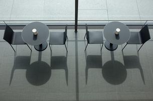 テーブルと椅子の写真素材 [FYI04098870]