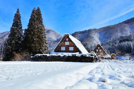 世界文化遺産 冬の白川郷の写真素材 [FYI04099334]
