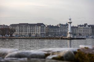 スイス、ジュネーブのレマン湖風景の写真素材 [FYI04099686]