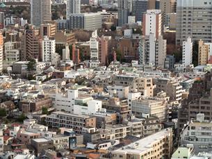 都心の住宅街の写真素材 [FYI04103014]