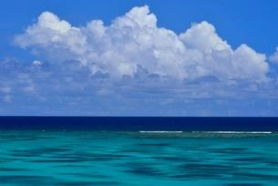 宮古島の海の写真素材 [FYI04103305]