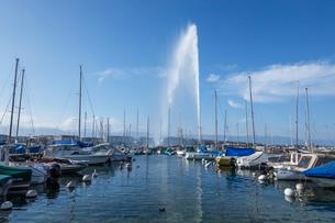 スイス、ジュネーブ、レマン湖と大噴水の写真素材 [FYI04105197]