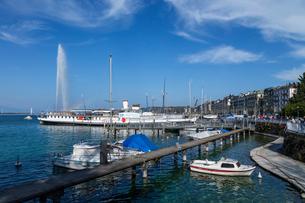 スイス、ジュネーブのレマン湖風景の写真素材 [FYI04105231]