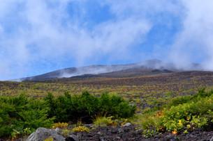 富士山5合目からの山頂の写真素材 [FYI04105301]