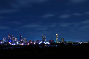 川口市夜景 エルザタワー55付近の写真素材 [FYI04105399]