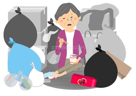 ゴミと高齢者 シニア女性のイラスト素材 [FYI04105805]
