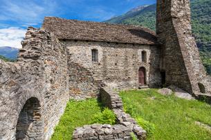 スイス、ジョルニコ、サンタマリア・デル・カステロの写真素材 [FYI04106682]