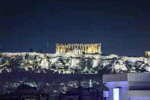 ライトアップされたパルテノン神殿の写真素材 [FYI04107245]