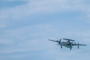 E-2C早期警戒機の写真素材 [FYI04107993]