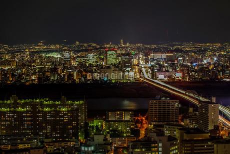 新御堂筋 光の河の写真素材 [FYI04108009]
