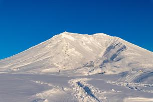 美しい冬の大雪山 旭岳の風景の写真素材 [FYI04108171]