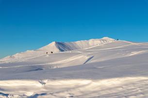 美しい冬の大雪山 旭岳の風景の写真素材 [FYI04108172]