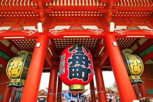 浅草寺の宝蔵門の写真素材 [FYI04108226]