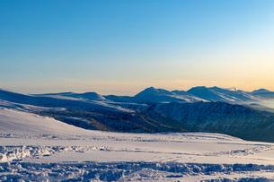 美しい冬の大雪山 旭岳の風景の写真素材 [FYI04108383]