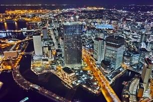横浜ランドマークタワーより望む横浜の夜景の写真素材 [FYI04108479]