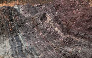 【地学教材用】 木曽川の古生代と中生代の境界を示す地層(スケールなし)の写真素材 [FYI04108531]