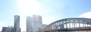 光の美しいビルの東京の風景のパノラマの写真素材 [FYI04108591]