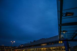 早朝のアーランダ国際空港の写真素材 [FYI04108759]