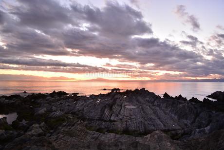 海岸の夕景の写真素材 [FYI04109631]