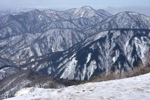 厳冬の丹沢山地展望の写真素材 [FYI04109850]