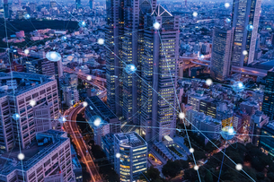 5G-第5世代移動通信システムと東京の写真素材 [FYI04109971]