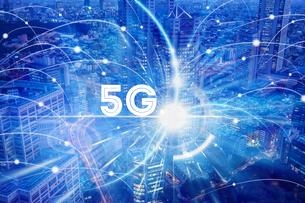 5G-第5世代移動通信システムと東京の写真素材 [FYI04109972]