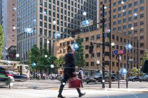 5G-第5世代移動通信システムと東京の写真素材 [FYI04110004]