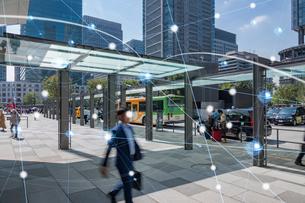 5G-第5世代移動通信システムと東京の写真素材 [FYI04110022]