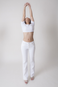 若い日本人女性のボディの写真素材 [FYI04110112]