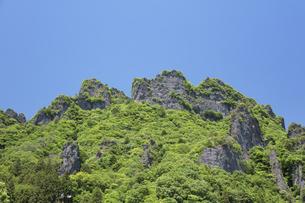 新緑の妙義山の写真素材 [FYI04110302]