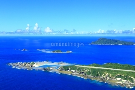 慶良間諸島 空撮の写真素材 [FYI04112419]