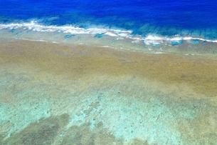 慶良間諸島 空撮の写真素材 [FYI04112421]