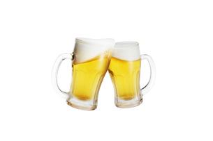 2つのビールジョッキの写真素材 [FYI04113144]