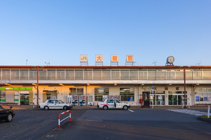 忠犬ハチ公像前から大館駅前の写真素材 [FYI04113648]