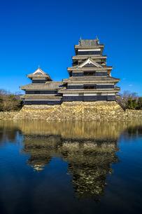 信州 長野県松本市 国宝松本城の写真素材 [FYI04114419]