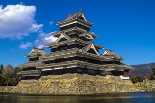 信州 長野県松本市 国宝松本城の写真素材 [FYI04114424]