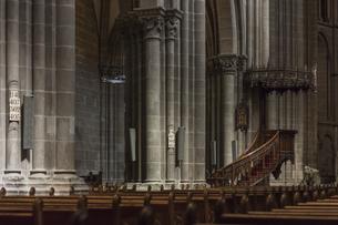 スイス、ジュネーブ旧市街、サン・ピエール大聖堂の写真素材 [FYI04114921]