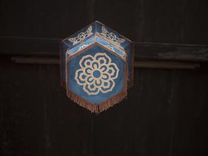 アジア 花模様 ランプ ランタン ビンテージ ヴィンテージ 装飾品 中国 オリエンタル 古い の写真素材 [FYI04115465]