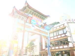 中華街入口の写真素材 [FYI04115501]