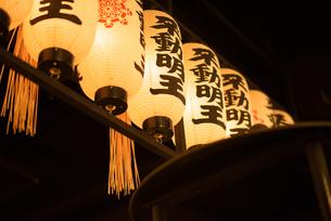 法善寺横丁の一景の写真素材 [FYI04115613]