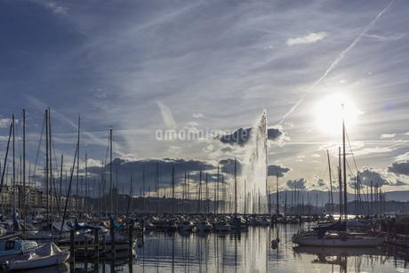 スイス、ジュネーブ、レマン湖畔風景の写真素材 [FYI04115954]