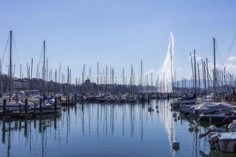 スイス、ジュネーブ、レマン湖と大噴水の写真素材 [FYI04116000]