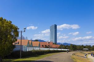 琵琶湖畔なぎさ公園風景の写真素材 [FYI04117743]